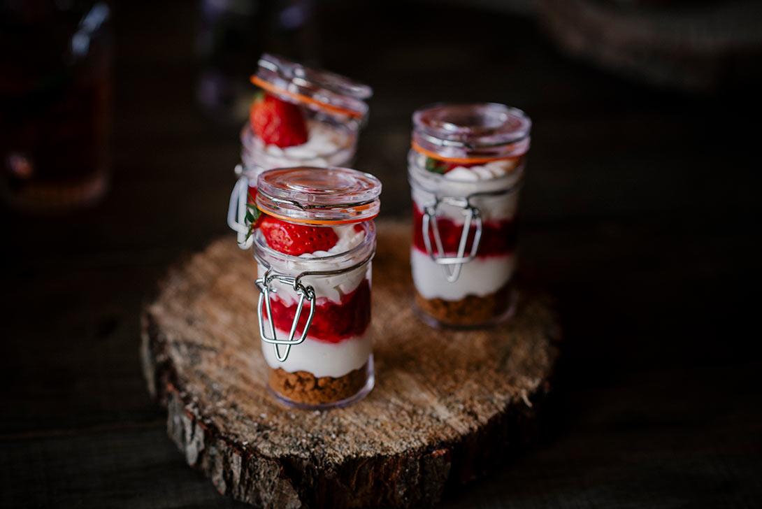 gourmandise tiramisu fraise du traiteur