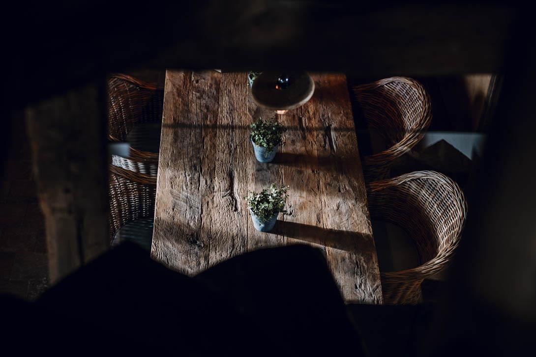 table en bois brut dans le calvados