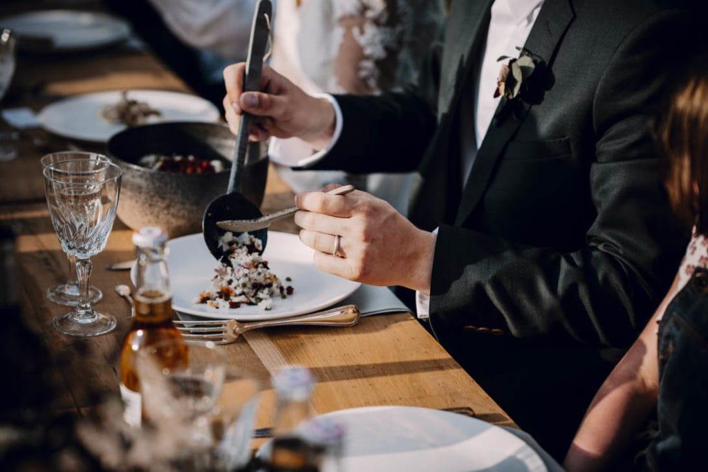 table mariage à Nantes, intime et kinfolk, plats à partager