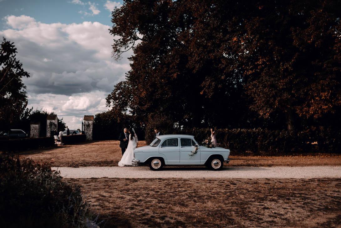 voiture vintage pour un mariage folk en ile de France