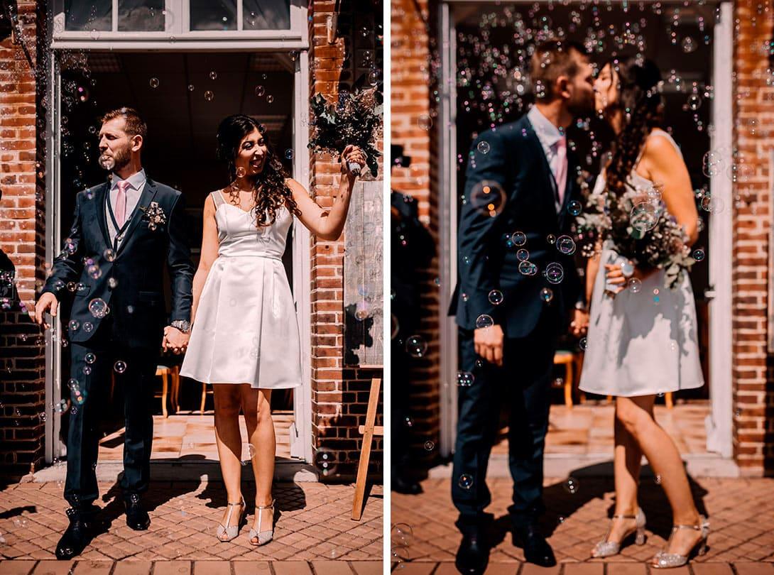 mariage, sortie de cérémonie civile avec bulles