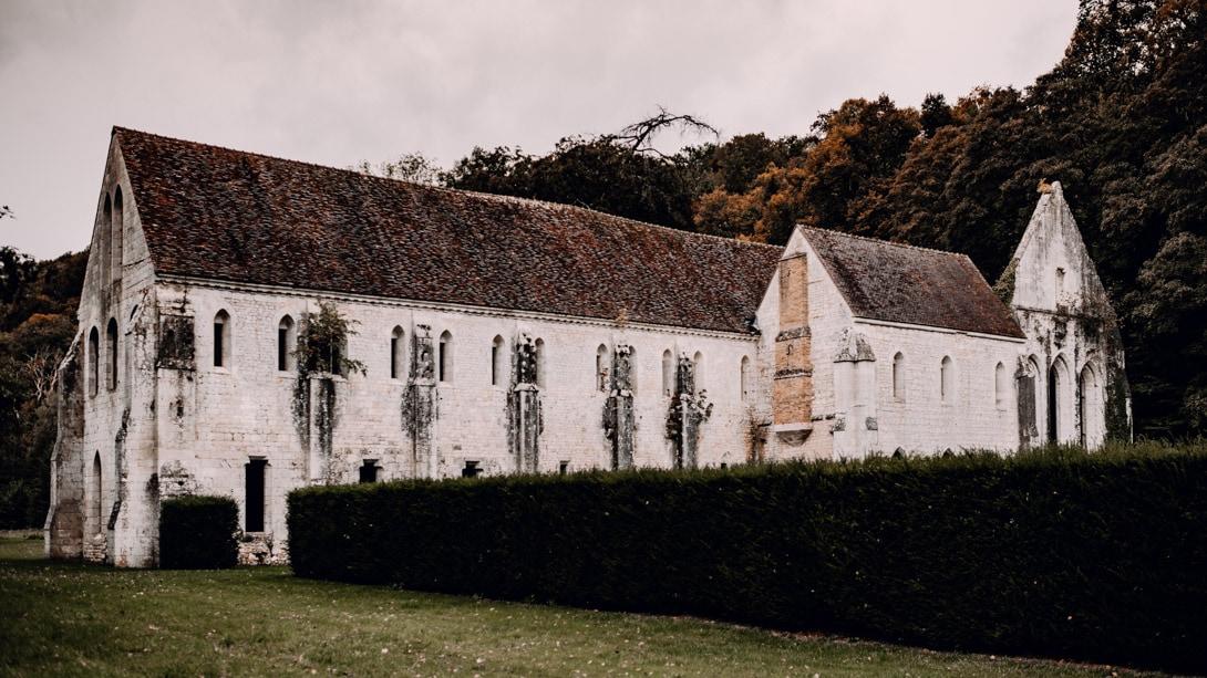Photographe abbaye de notre Dame de Fontaine Guérard dans l'eure (27)